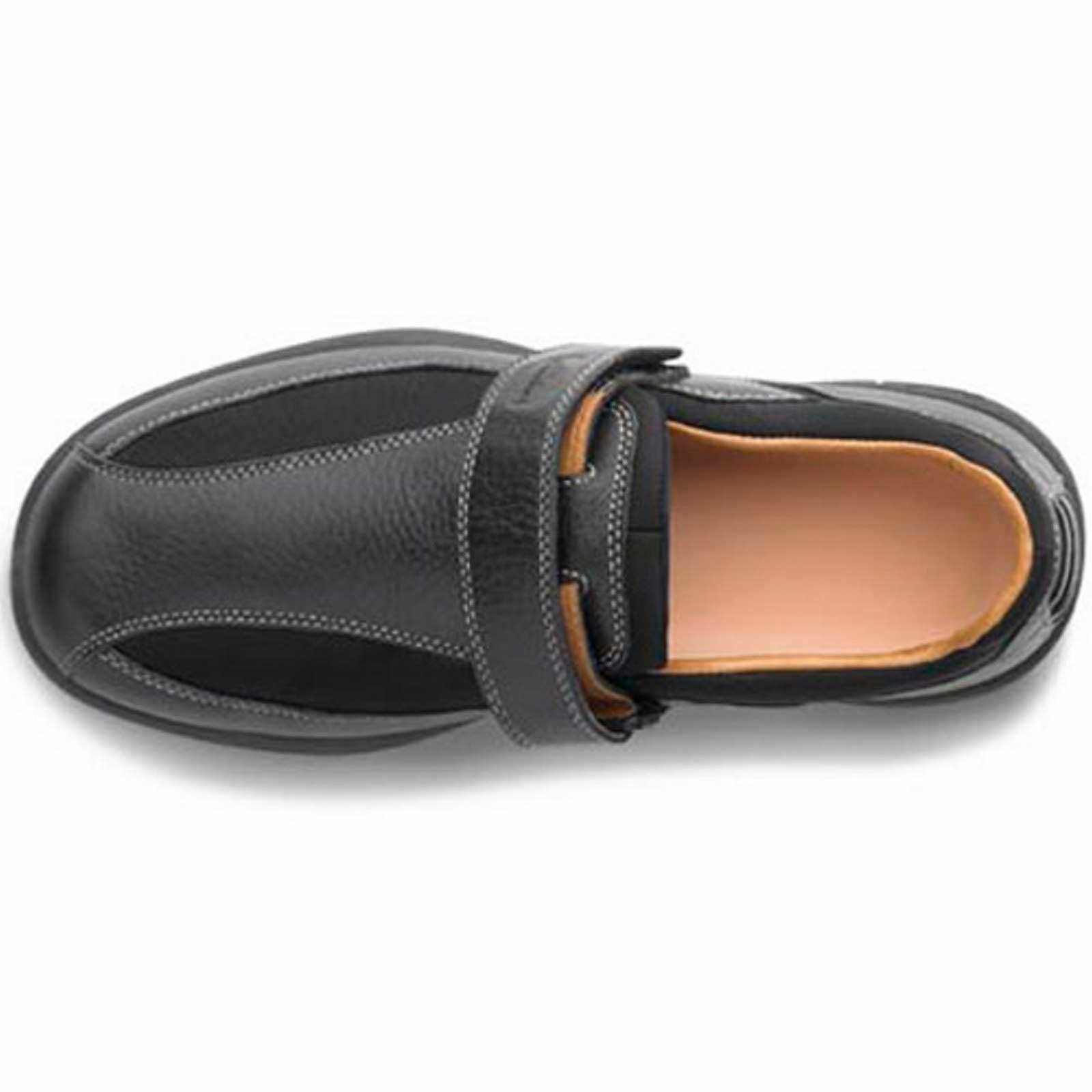 about Dr Comfort Douglas Men s Therapeutic Diabetic Casual Shoe