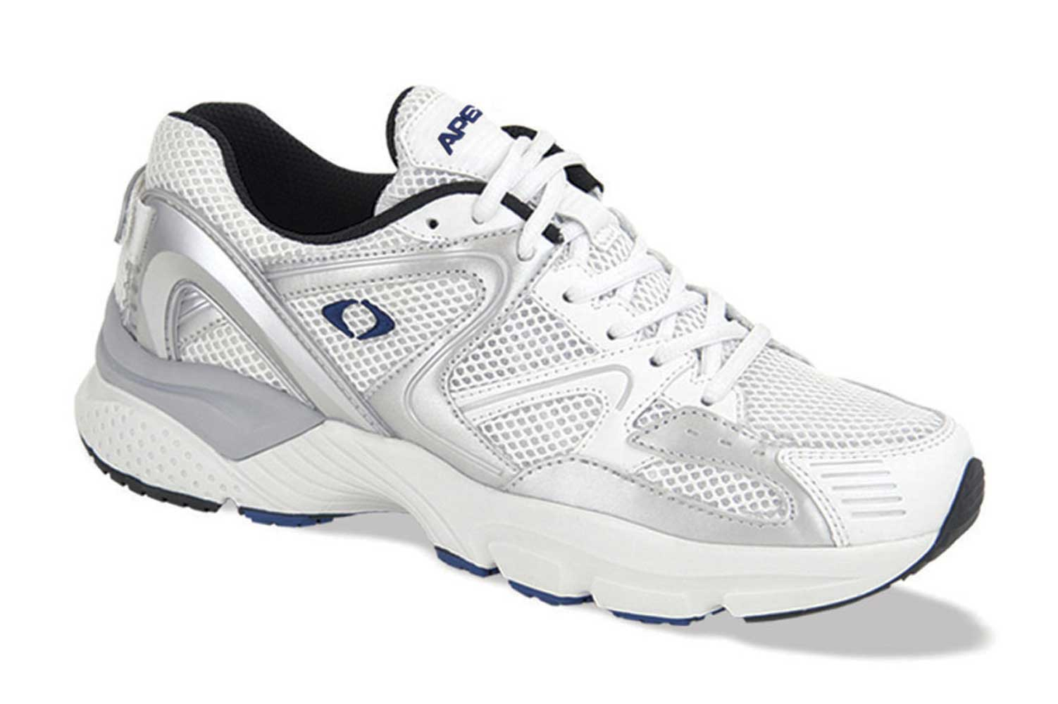 Best Athletic Shoe For Flat Wide Feet